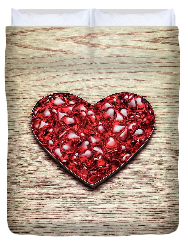Large Group Of Objects Duvet Cover featuring the photograph Red Hearts In A Heart Shape by Jonathan Kitchen