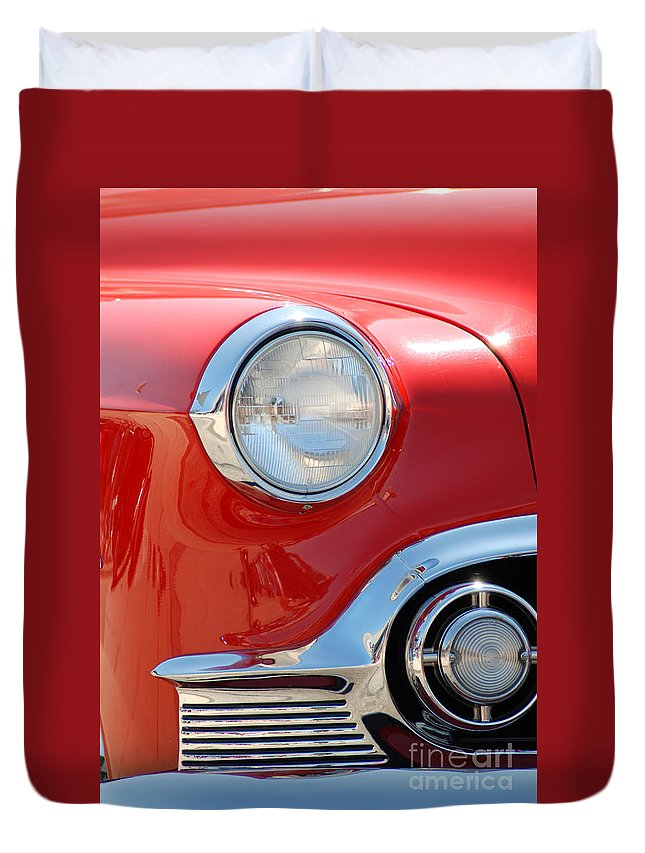 Detroit Duvet Cover featuring the photograph Red Light by Optical Playground By MP Ray