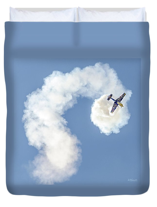 Redbull Duvet Cover featuring the photograph Redbull Tumbles by Urbanmoon Photography