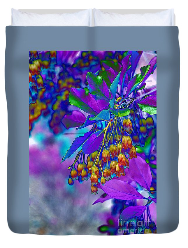 Red Bell Flowers Duvet Cover featuring the photograph Redvien Flowers 2 by Eva Kaufman