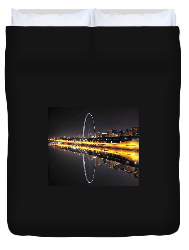 St. Louis Duvet Cover featuring the photograph Reflected St. Louis by C H Apperson