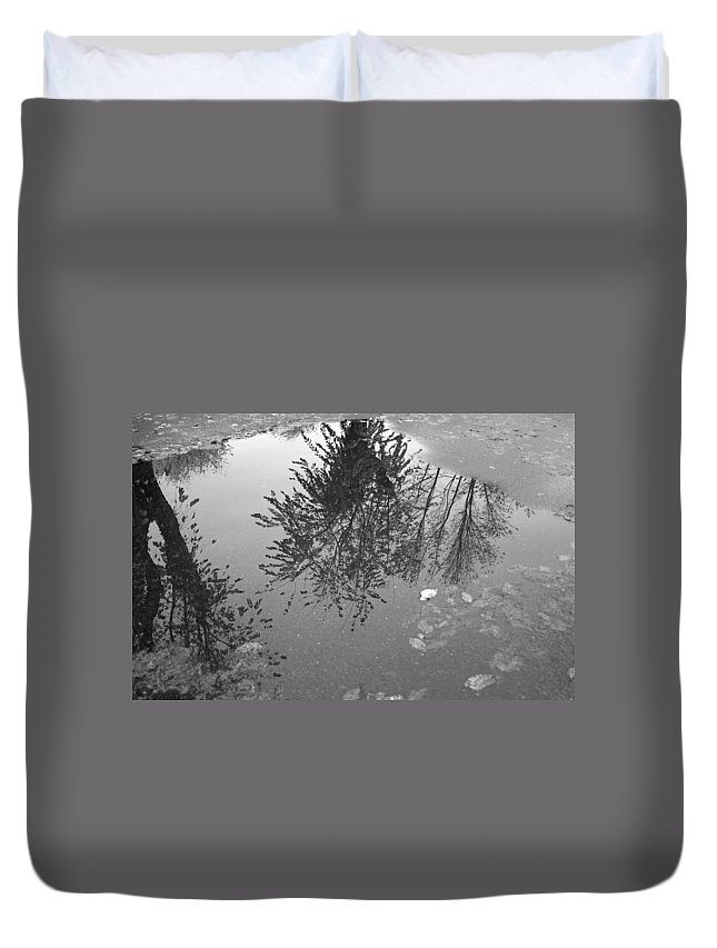 Puddle Duvet Cover featuring the photograph Reflection 002 by Howard Tenke