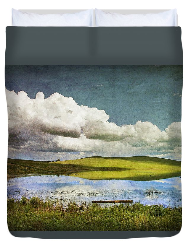 Landscape Duvet Cover featuring the photograph Reflections On Watership Down by Theresa Tahara