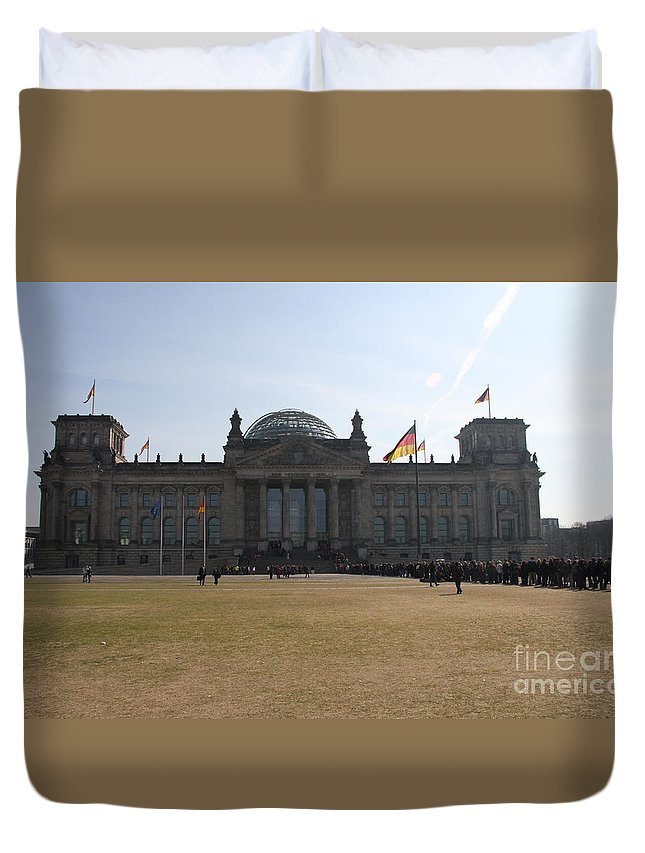Reichstag Duvet Cover featuring the photograph Reichstag Berlin - German Parliament by Christiane Schulze Art And Photography