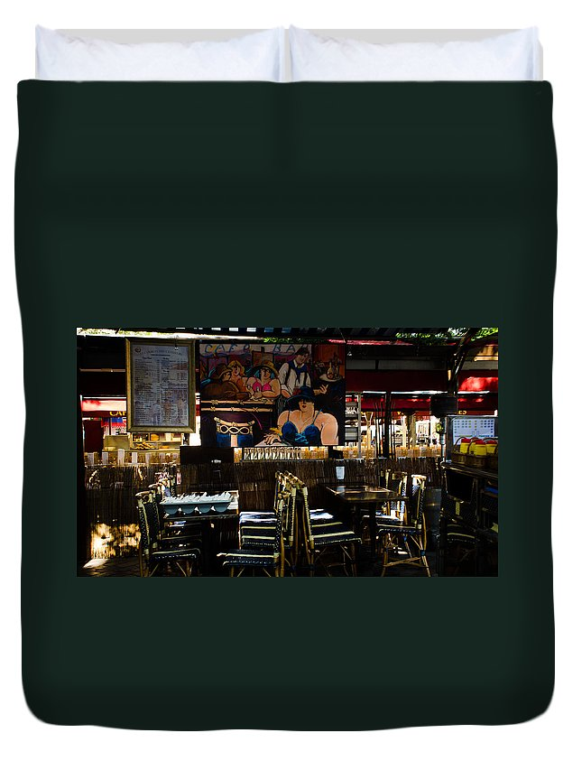 Place Duvet Cover featuring the photograph Restaurant In Montmartre by Dany Lison
