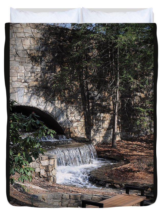 Feature Art Duvet Cover featuring the photograph Resting Place by Paulette B Wright
