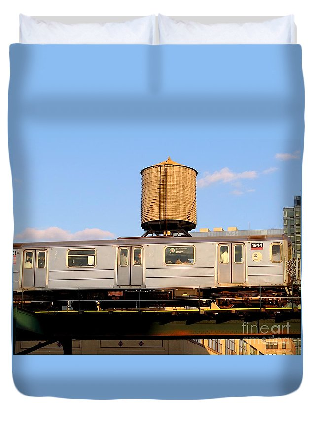 Subway Duvet Cover featuring the photograph Riding The El by Ed Weidman