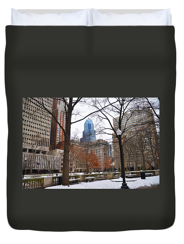 Rittenhouse Duvet Cover featuring the photograph Rittenhouse Square In Wintertime by Bill Cannon