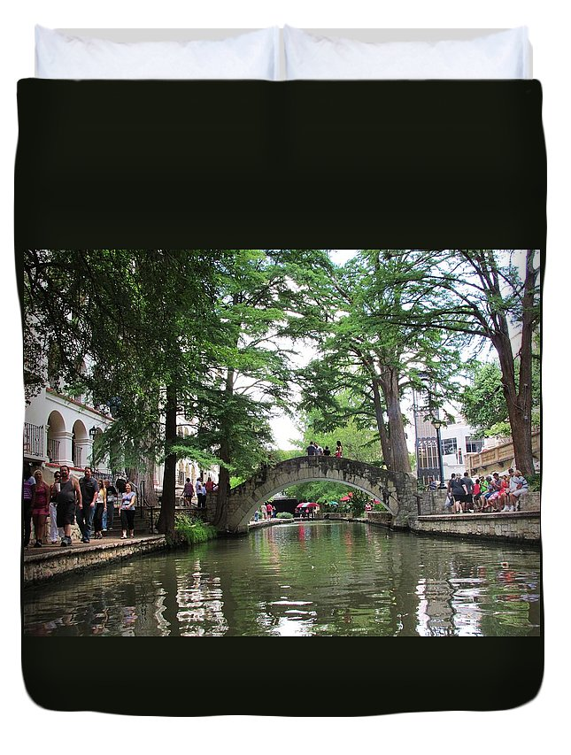 San Antonio Riverwalk Duvet Cover featuring the photograph Riverboat View by Jewell McChesney