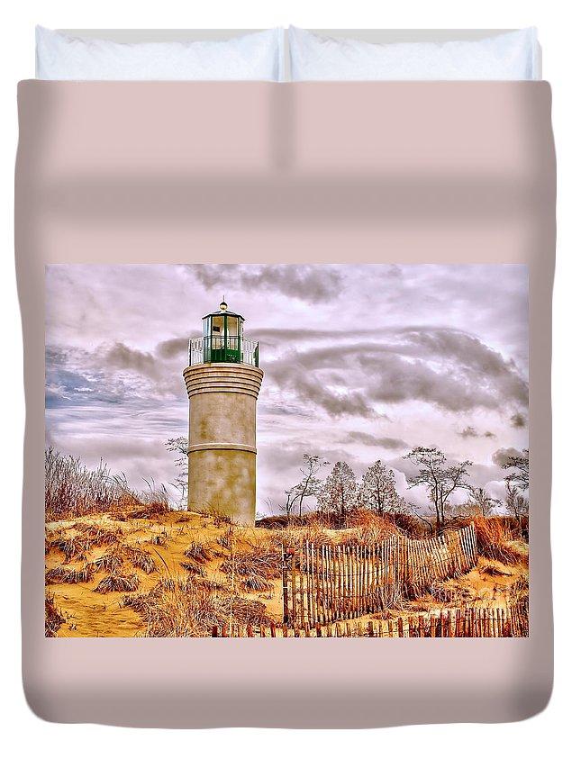 Lighthouse Duvet Cover featuring the photograph Robert H. Manning Memorial by Nick Zelinsky