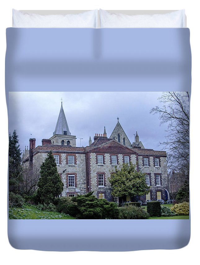 Rochester Cathedral Duvet Cover featuring the photograph Rochester Cathedral Cafe by Dawn OConnor