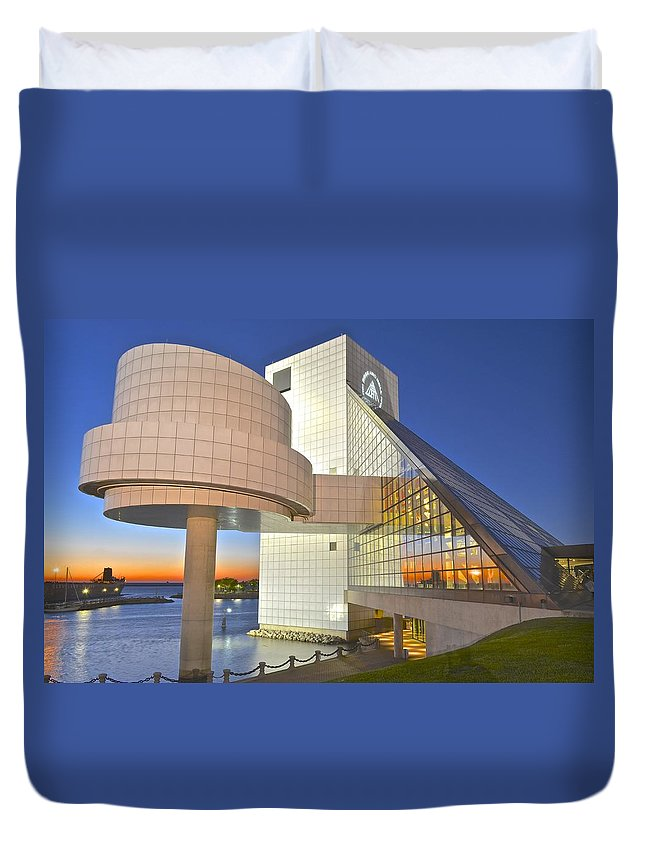 Sunset Duvet Cover featuring the photograph Rock Hall Sunset by Frozen in Time Fine Art Photography