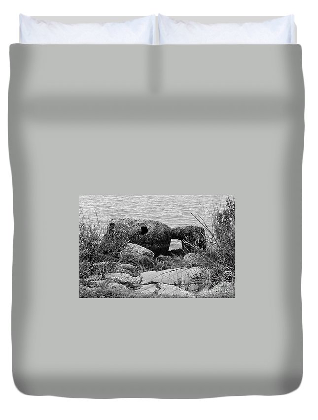 Rocks Duvet Cover featuring the photograph Rock Shoreline by Wesley Farnsworth