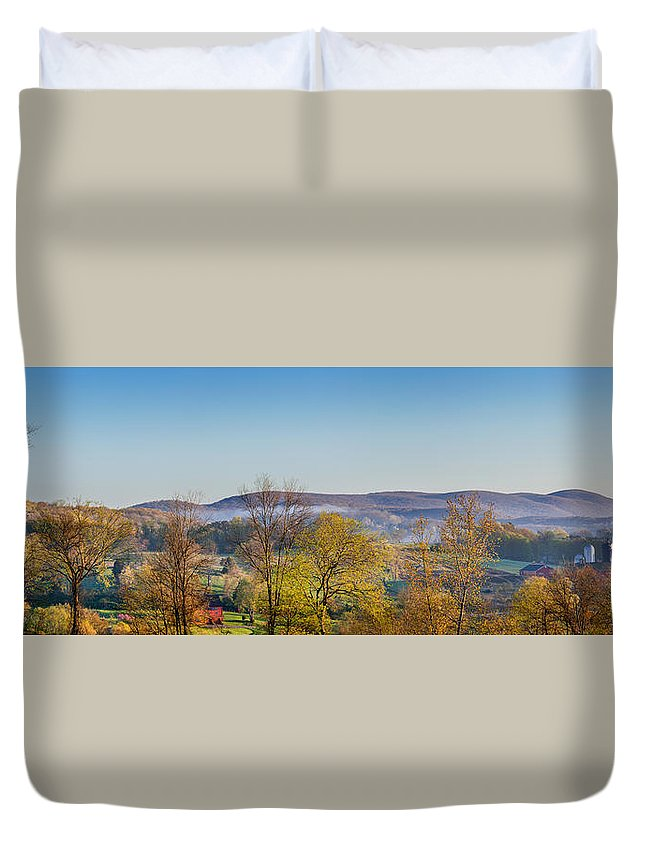 Farm Duvet Cover featuring the photograph Rolling Hills by Bill Wakeley