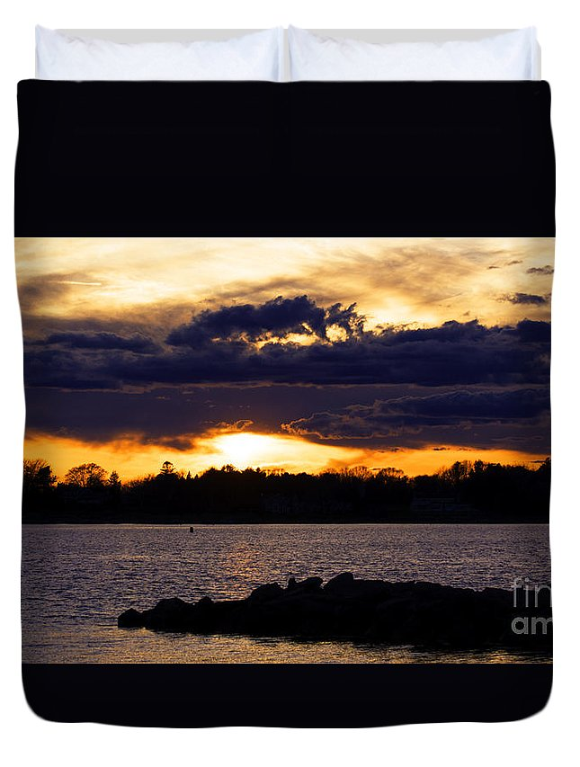 Borough Duvet Cover featuring the photograph Rolling In by Joe Geraci