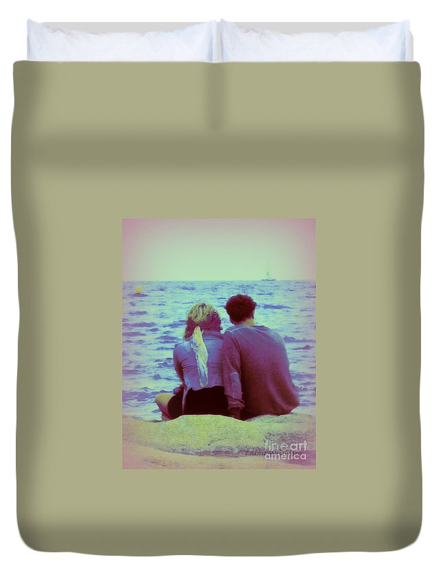 Couple Duvet Cover featuring the photograph Romantic Seaside Moment by Lainie Wrightson