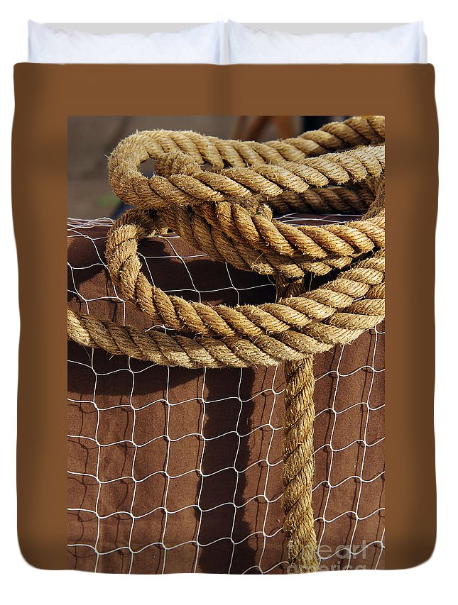 Abstract Duvet Cover featuring the photograph Rope And Net by Carlos Caetano