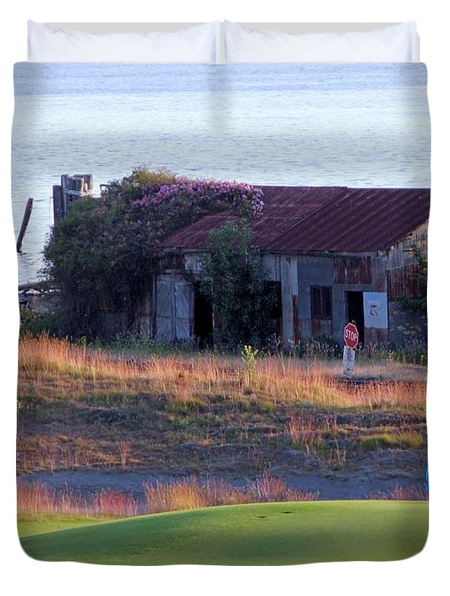 Tonemapped Duvet Cover featuring the photograph Rose Shack At 17 - Chambers Bay Golf Course by Chris Anderson