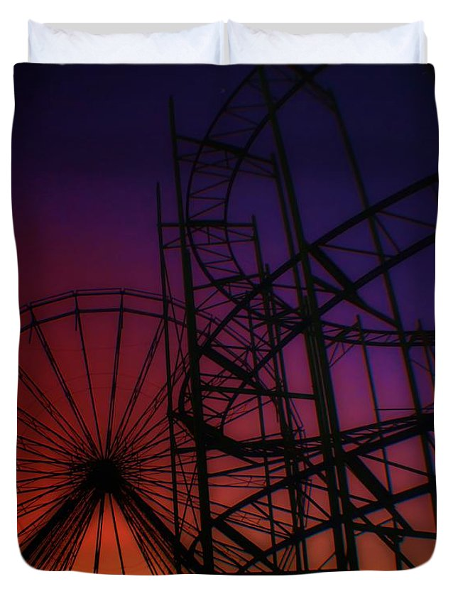 Sunrise Duvet Cover featuring the photograph Round N Round by Robert McCubbin