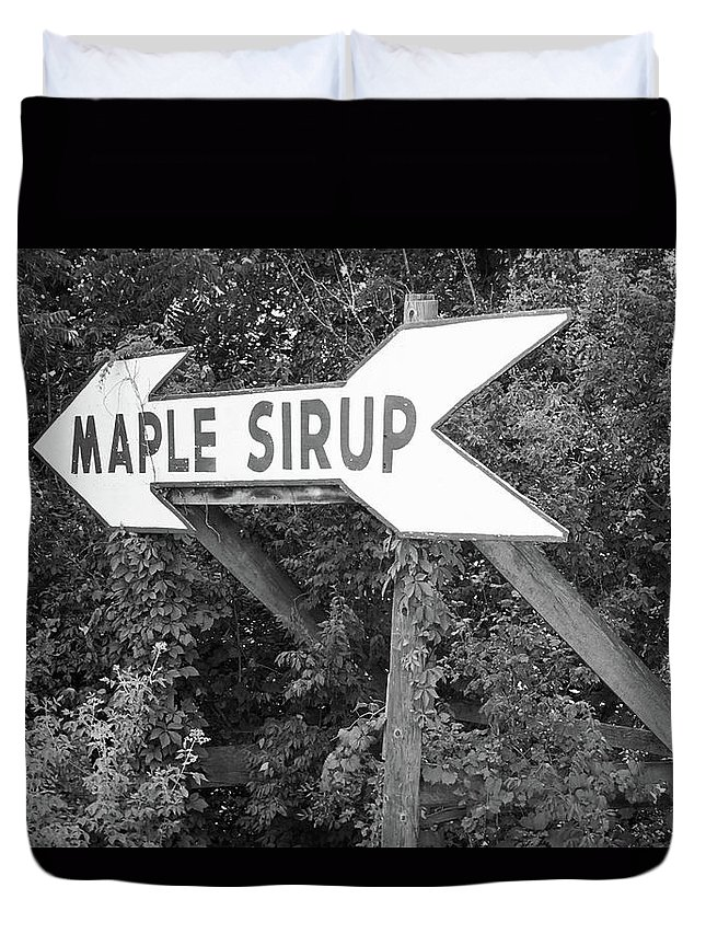 66 Duvet Cover featuring the photograph Route 66 - Funk's Grove Sirup by Frank Romeo
