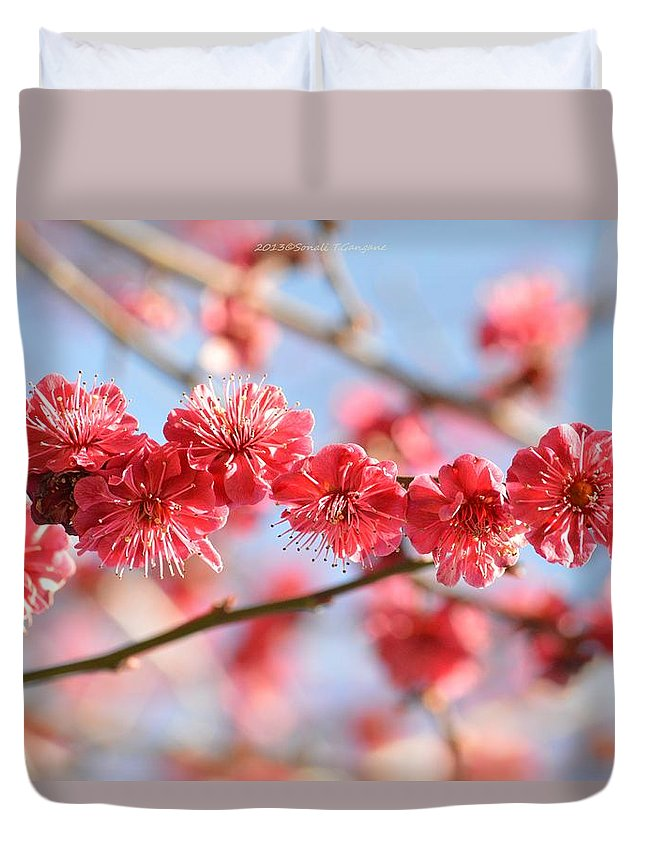 Floral Arrangement Duvet Cover featuring the photograph Ruby Studded by Sonali Gangane