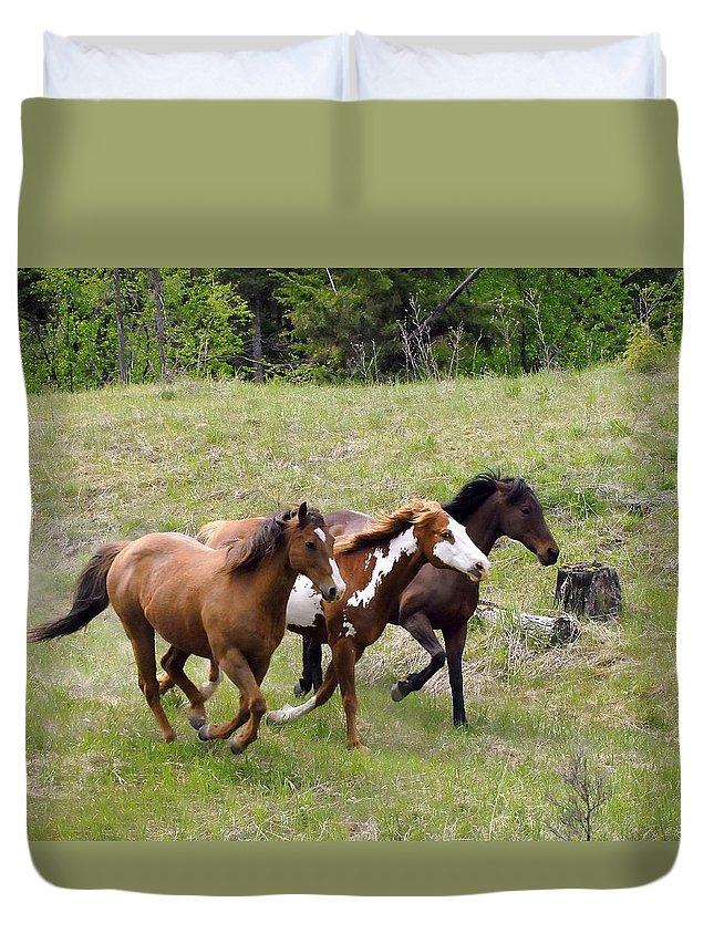 Black Knight Holdings; Randy Giesbrecht; Donna Giesbrecht ;horses Duvet Cover featuring the photograph Running Free by Randy Giesbrecht