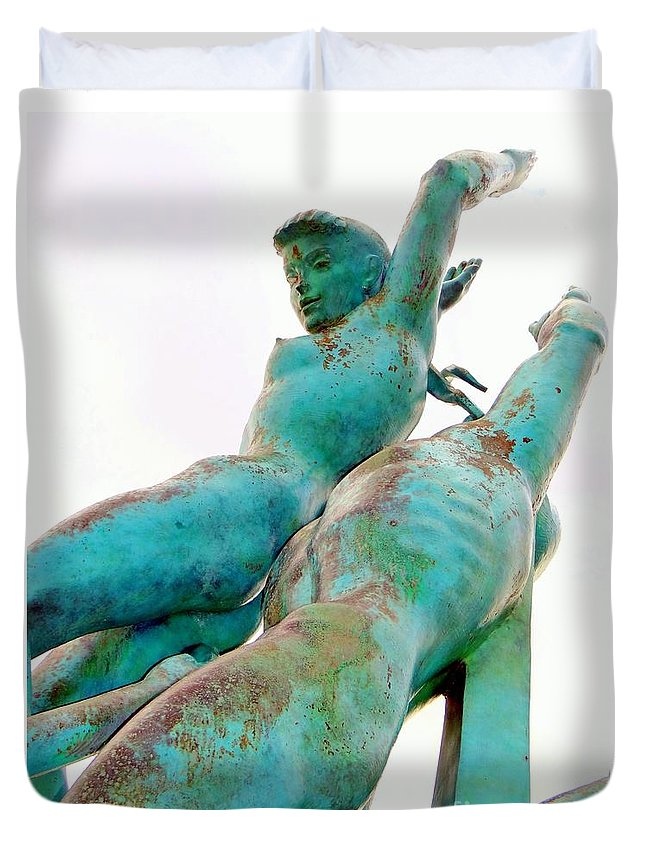 Statues Duvet Cover featuring the photograph Rusted Beauty by Ed Weidman