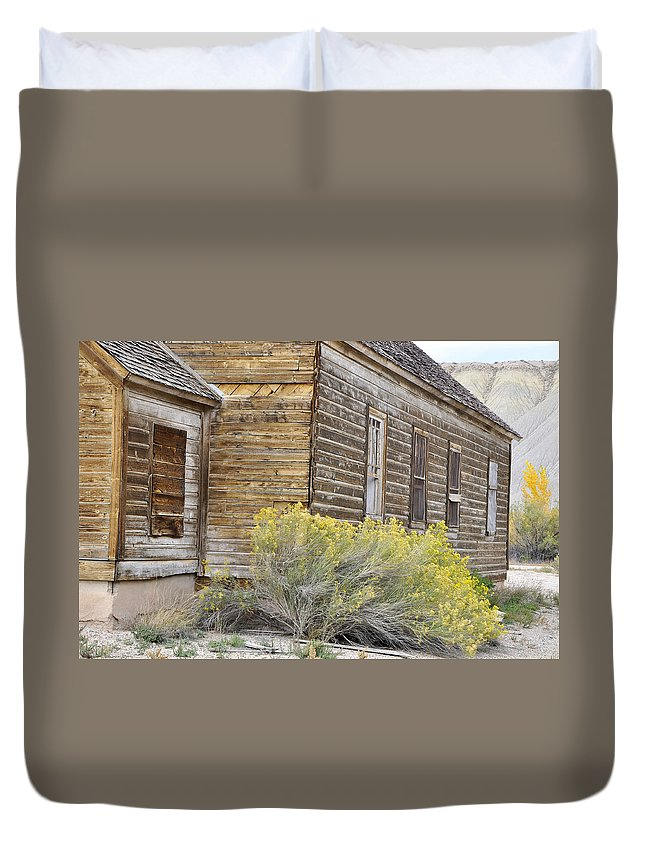 Canvas Prints Duvet Cover featuring the photograph Rustic Building by Wendy Elliott