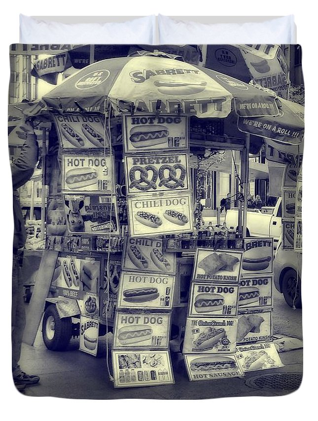 Sabrett Vendor New York City Duvet Cover featuring the photograph Sabrett Vendor New York City by Dan Sproul