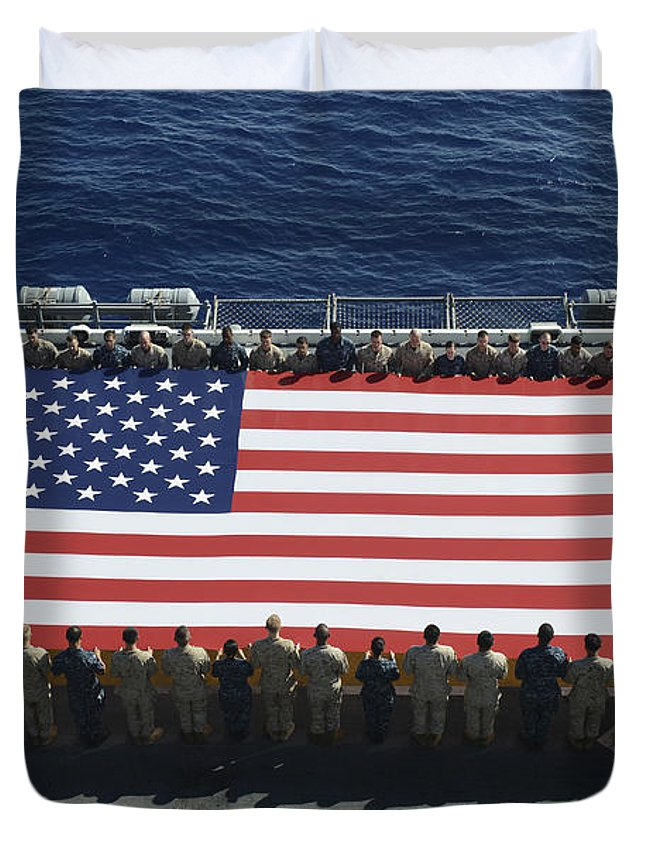 Horizontal Duvet Cover featuring the photograph Sailors And Marines Display by Stocktrek Images