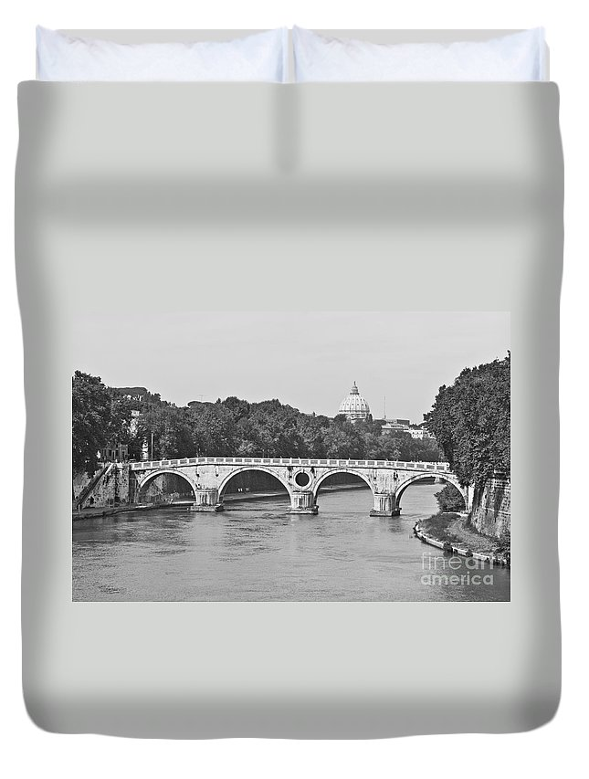 Sisto Duvet Cover featuring the photograph Saint Peter's Basilica Dome At Distance by Luis Alvarenga