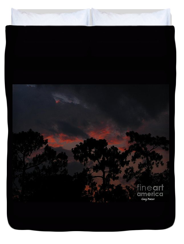 Art For The Wall...patzer Photography Duvet Cover featuring the photograph Salmon Sunset by Greg Patzer