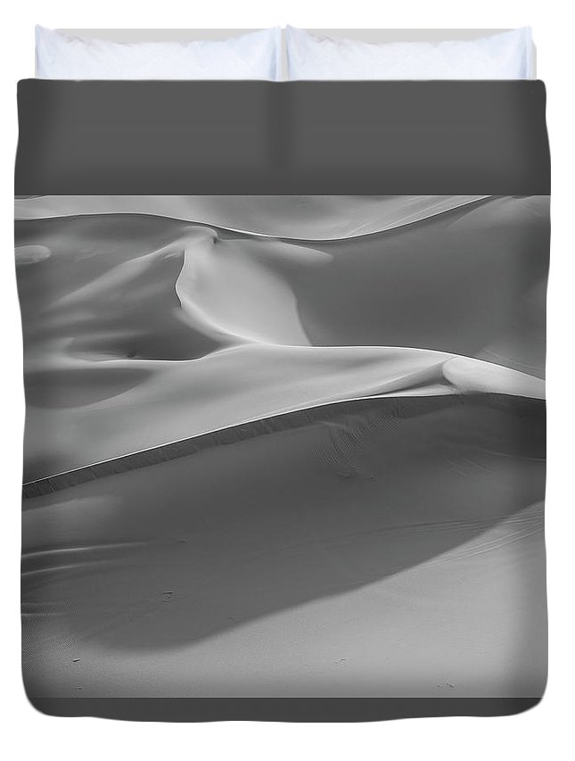 Sand Dune Duvet Cover featuring the photograph Sand Dunes In The Desert, Monochrome by Moritz Wolf