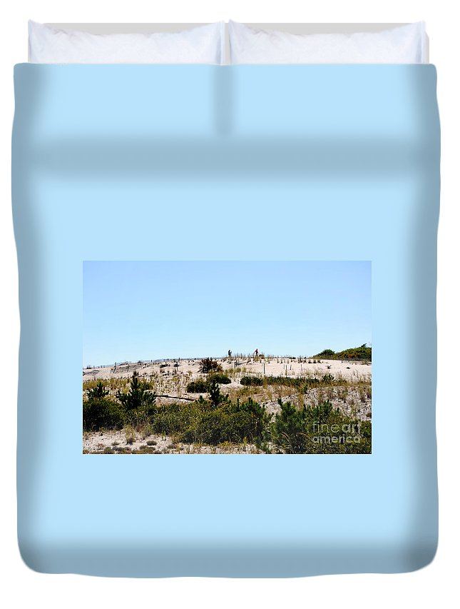 Scenic Tours Duvet Cover featuring the photograph Sand Trap by Skip Willits