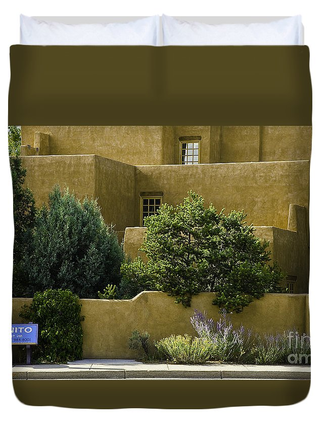 Santa Fe Duvet Cover featuring the photograph Santa Fe Woman With Umbrella by Madeline Ellis