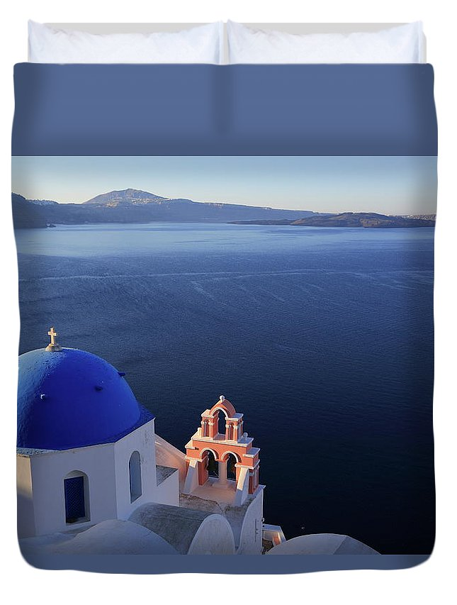 Tranquility Duvet Cover featuring the photograph Santorini´s Panoramic View From Oia by Iñigo Escalante