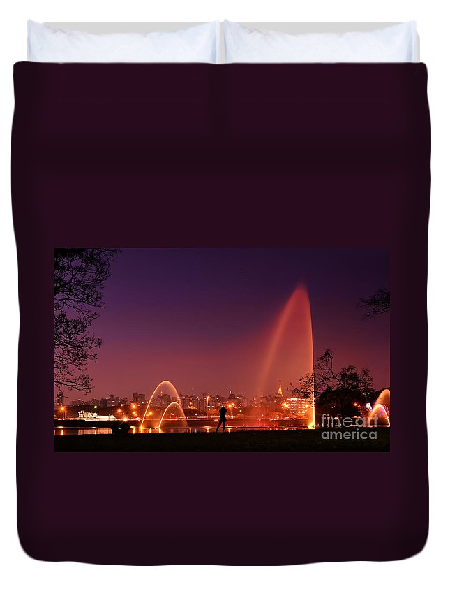 Ibirapuera Duvet Cover featuring the photograph Sao Paulo - Ibirapuera Park At Dusk - Contemplation by Carlos Alkmin