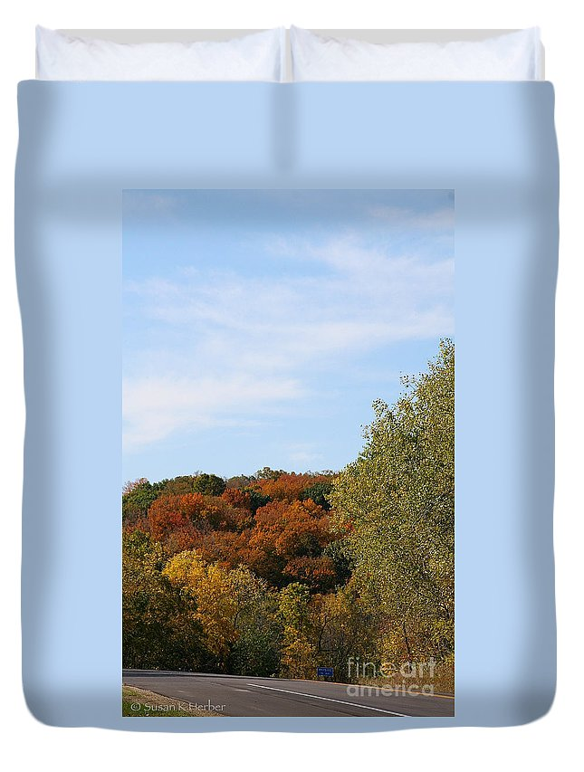 Flower Duvet Cover featuring the photograph Scenic Hwy by Susan Herber
