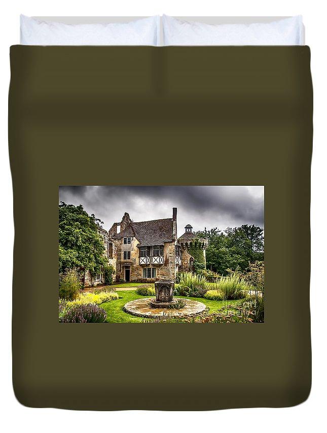 Scotney Castle Duvet Cover featuring the photograph Scotney Castle 4 by Chris Thaxter