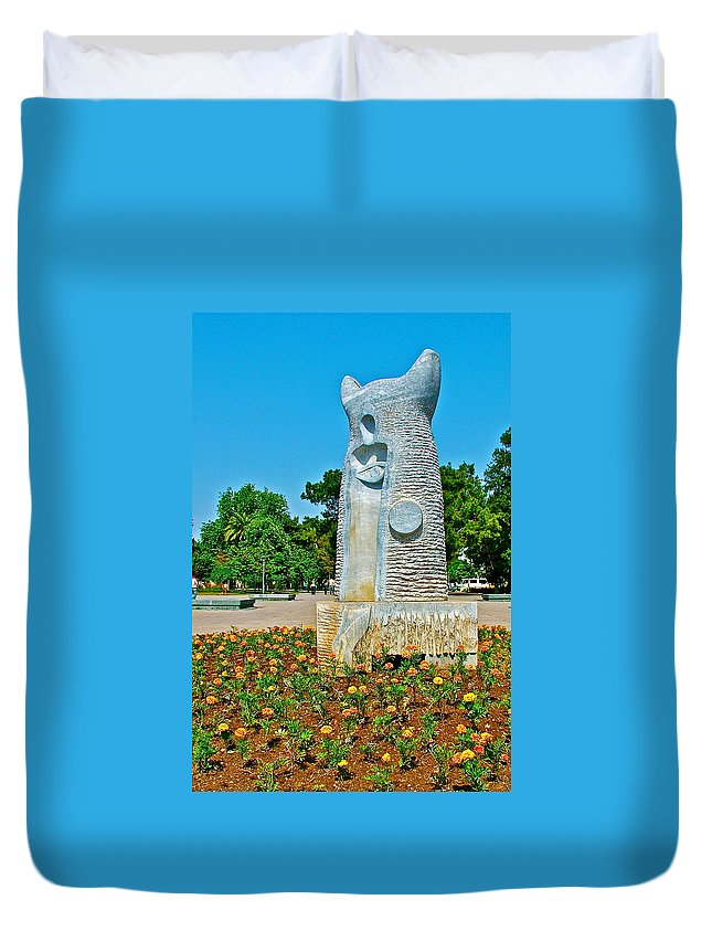 Sculpture And Flowers In Antalya Park Along Mediterranean Coast Duvet Cover featuring the photograph Sculpture And Flowers In Antalya Park Along Mediterranean Coast-turkey by Ruth Hager