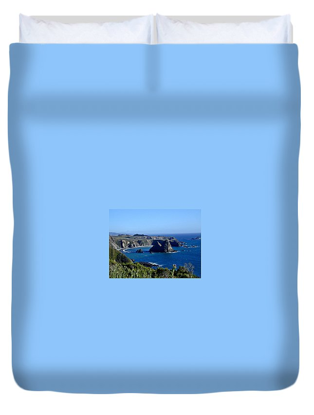 Sea Duvet Cover featuring the photograph Sea Coast Of Northern California by Douglas Barnett