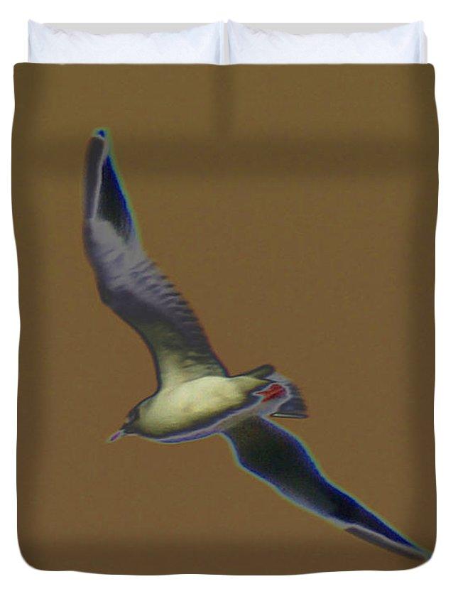 Bird Duvet Cover featuring the digital art Seagull by Carol Lynch