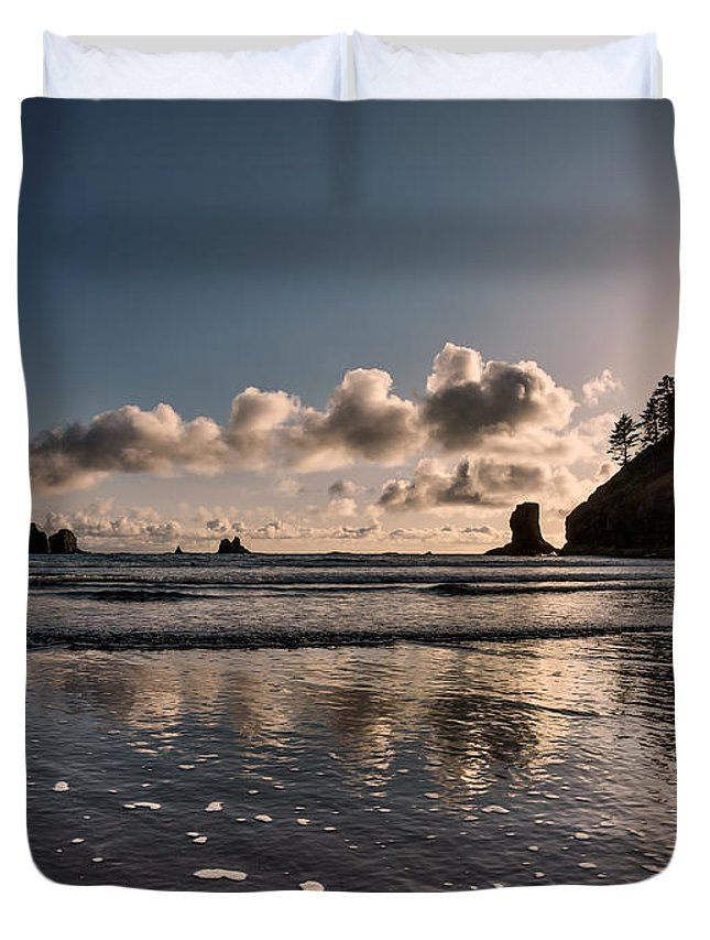 2nd Beach Duvet Cover featuring the photograph Second Beach Light And Current by Leland D Howard