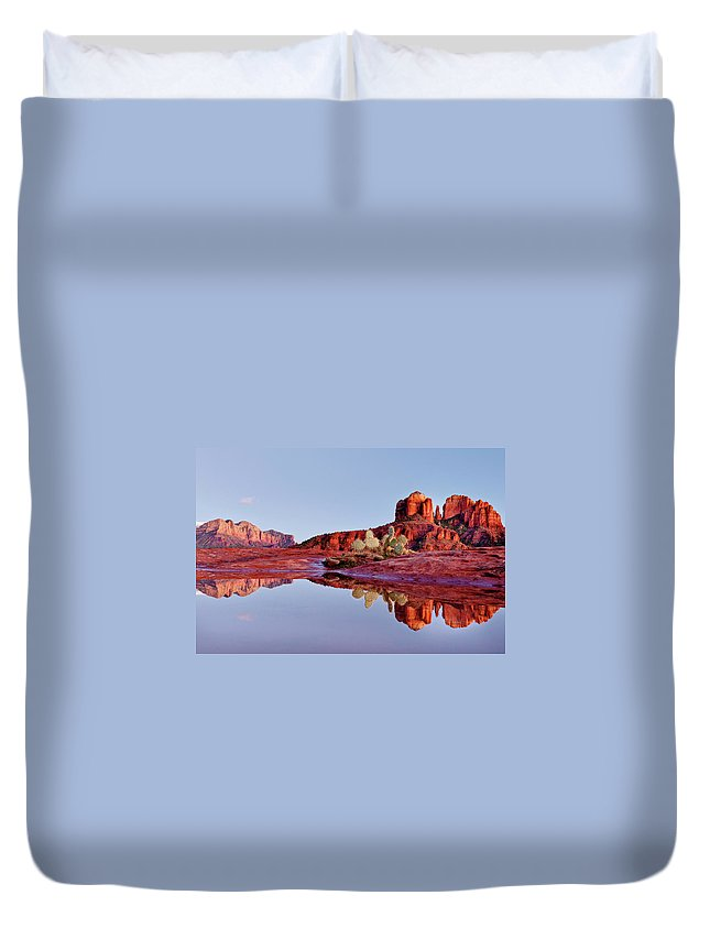 Scenics Duvet Cover featuring the photograph Sedona Arizona by Dougberry