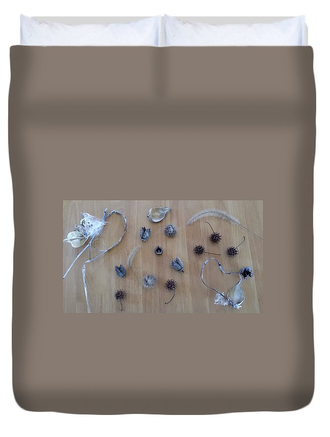 Minimalist Duvet Cover featuring the photograph Seedpods by Mark Victors