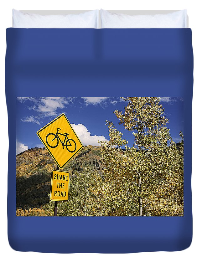 Bicycle Duvet Cover featuring the photograph Share The Road by Janice Pariza