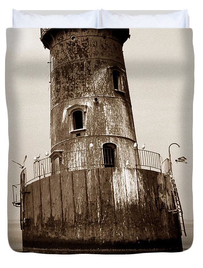 Lighthouse Duvet Cover featuring the photograph Sharps Island Lighthouse by Skip Willits
