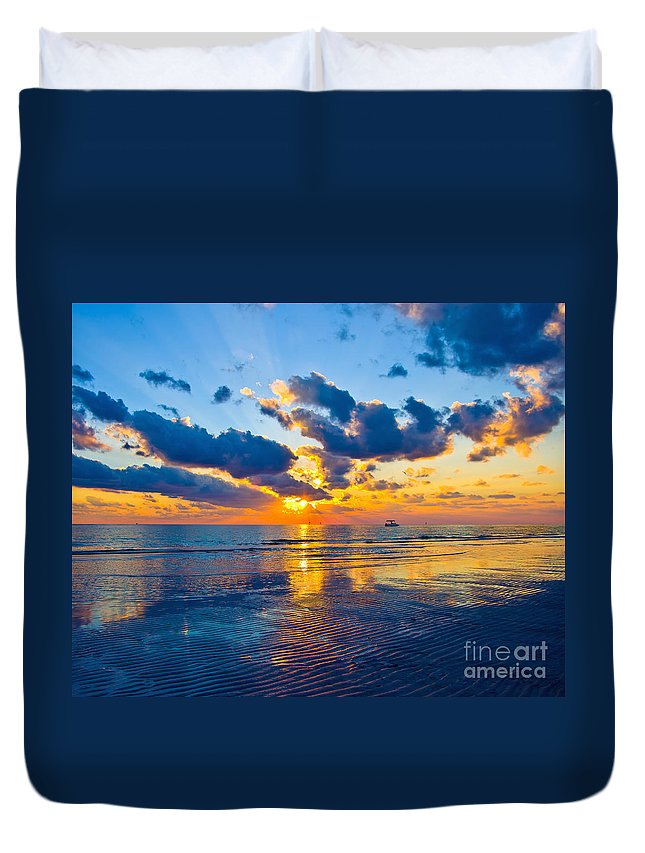 Florida Duvet Cover featuring the photograph Shimmering Sundown by Stephen Whalen