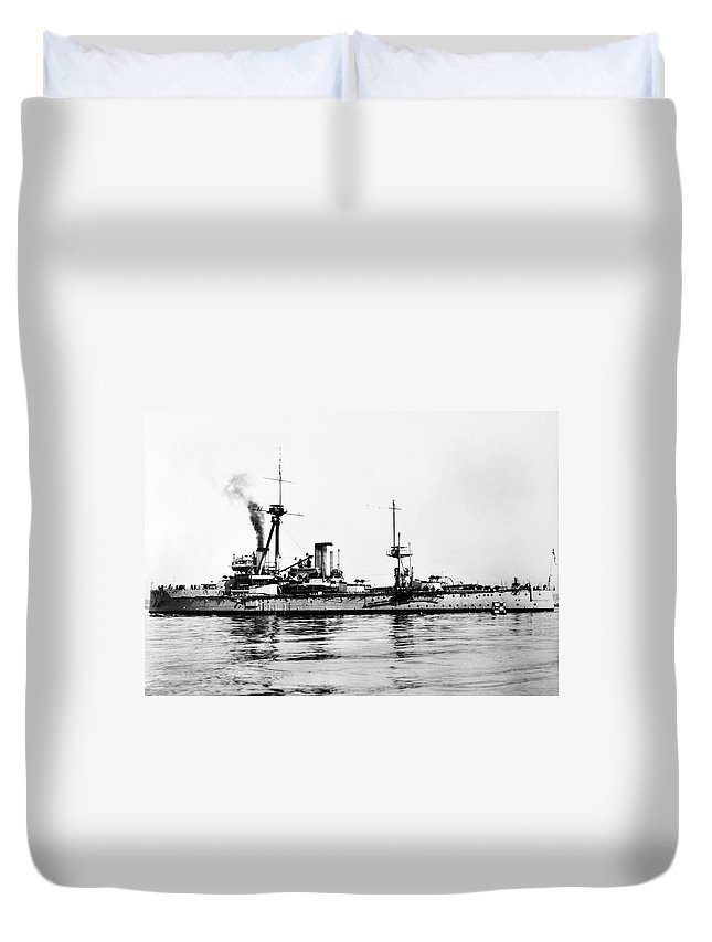 1907 Duvet Cover featuring the photograph Ships Hms 'dreadnought by Granger