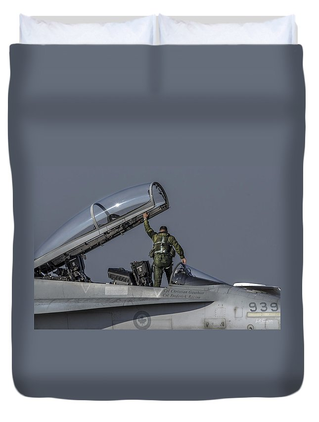 Rcaf Duvet Cover featuring the photograph Show's Over by Urbanmoon Photography